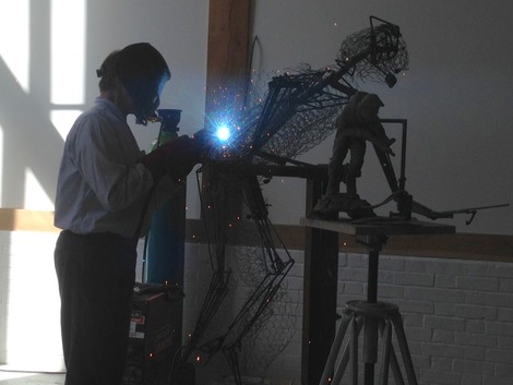 Brian Alabaster working on Stanley Hollis sculpture1.jpg